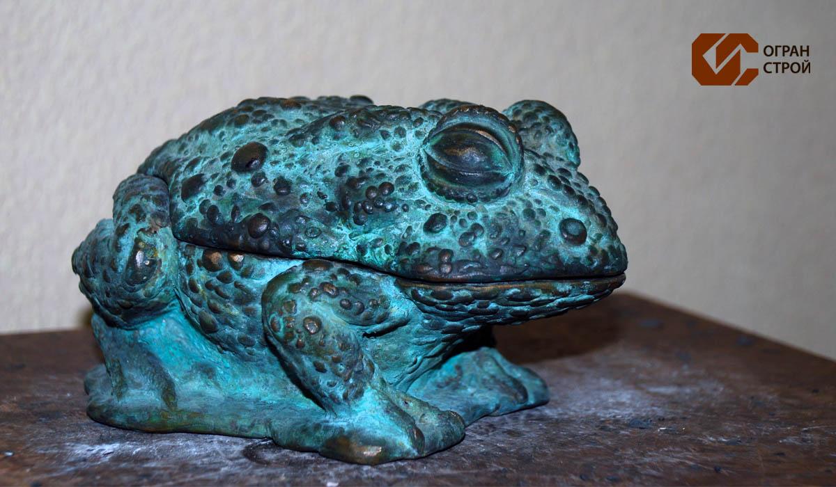 Лягушка-бронза